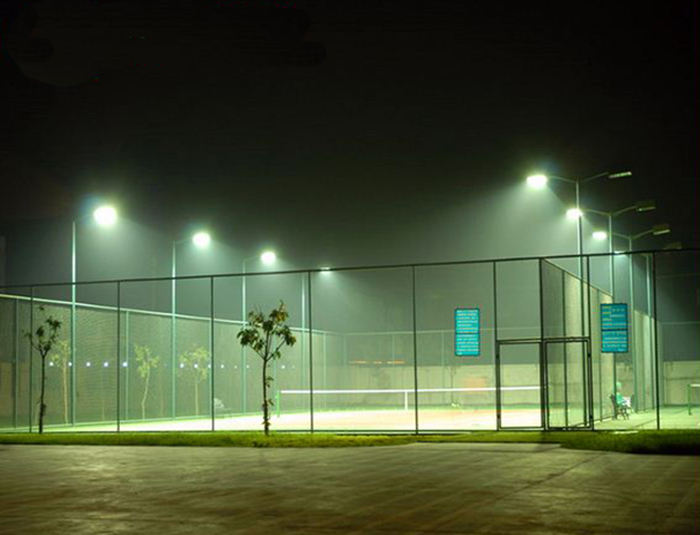 Badminton courts fencing system