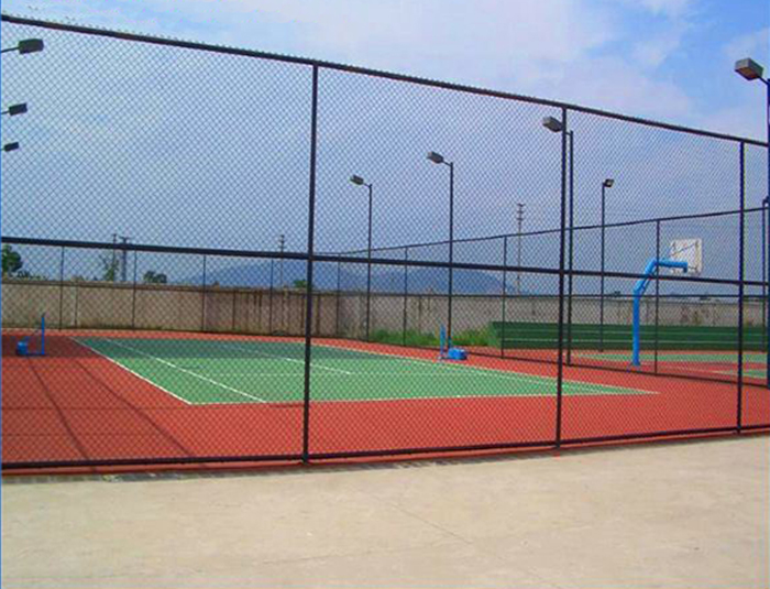 Basketball courts fencing system