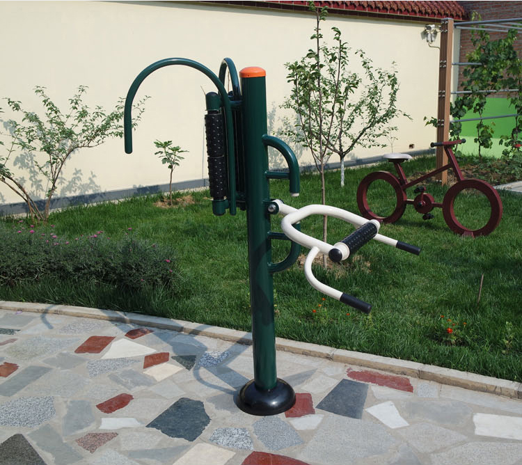 How to use the back massager outdoor fitness equipment?