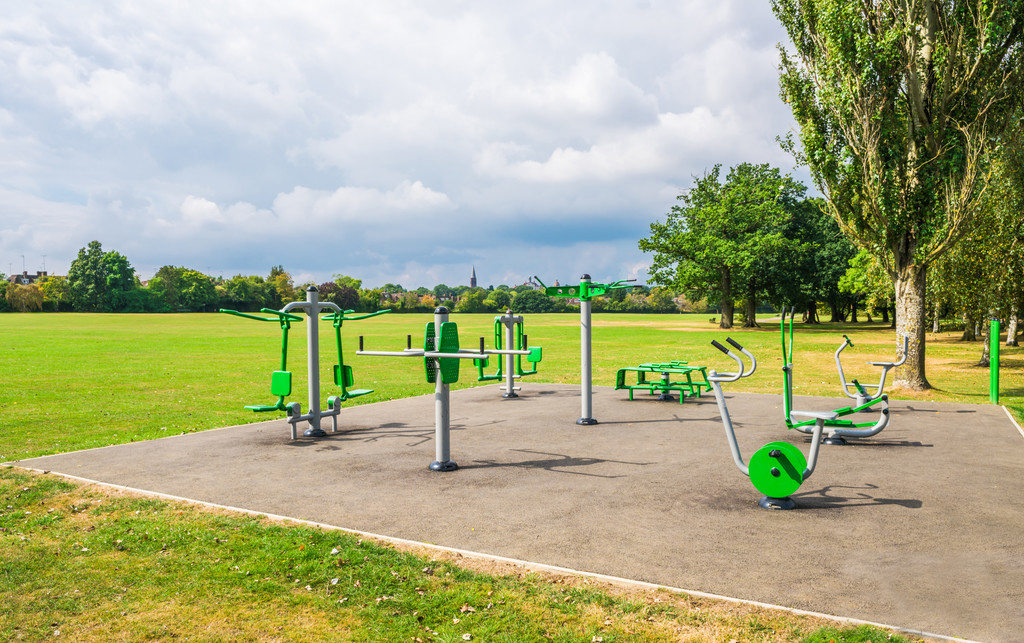 After the use of outdoor fitness equipment four points